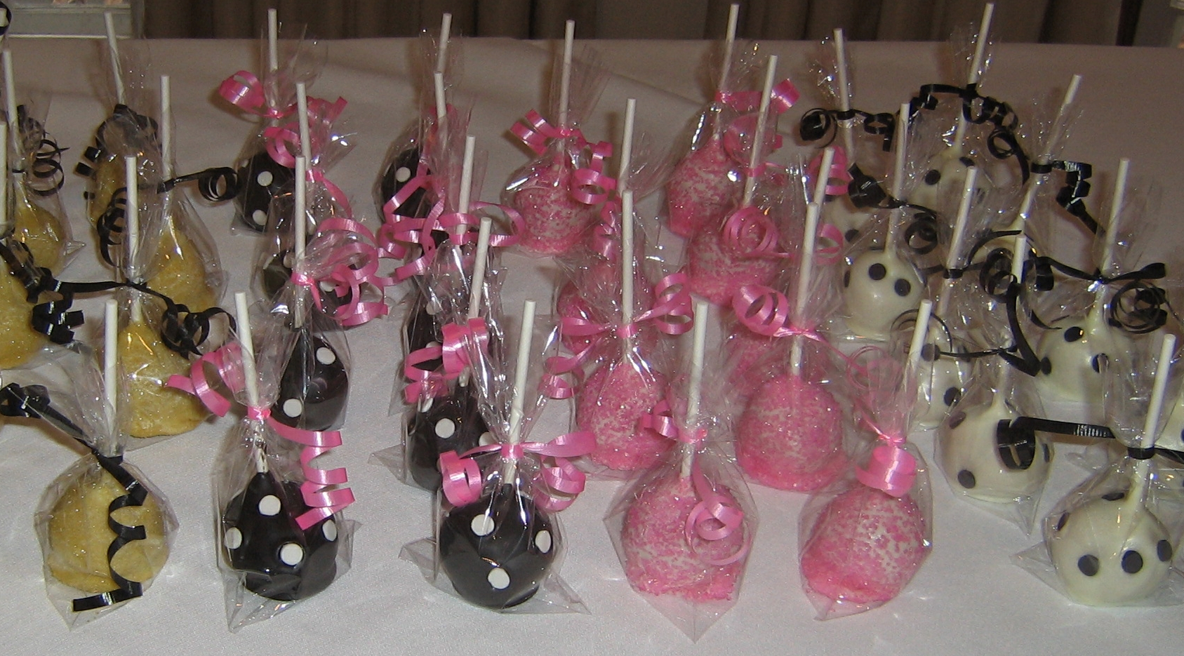 Kate Spade Themed Cake Pops