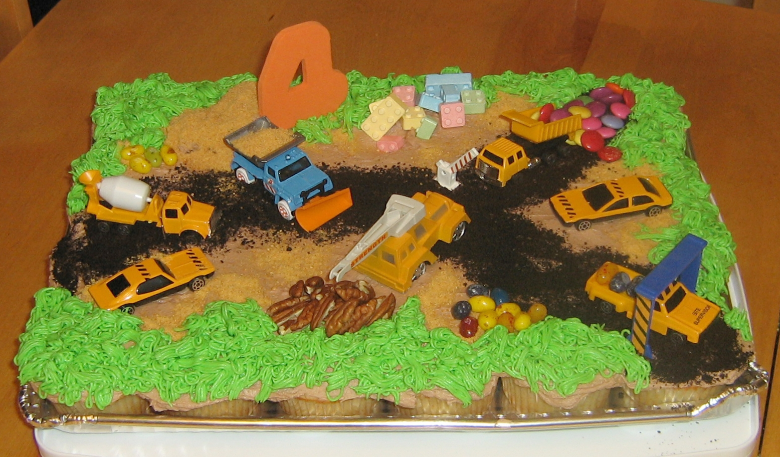 Construction Site Cupcakes Pull Apart Cake